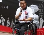 成功闯关入境香港的八九六四民运幸存者方政星期六(6月2日)声援香港六四绝食学生。(摄影:潘在殊/大纪元)