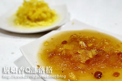 材料切碎(摄影: 新唐人电视台 提供)