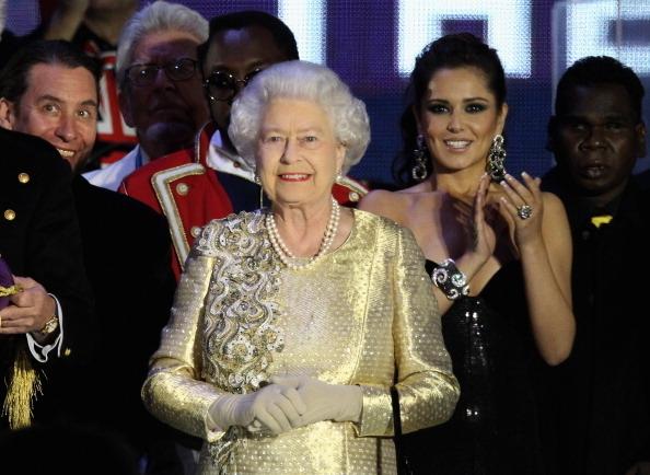 音樂會結束,女王來到舞台上  (Photo by Dan Kitwood/Getty Images)