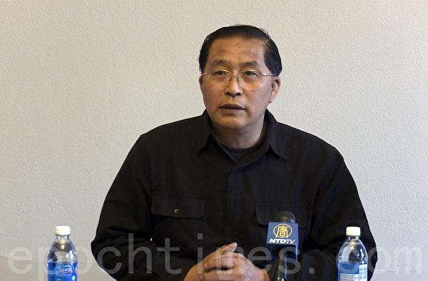 6月3日,韩广生在多伦多中国政局研讨会上分享对中国时政的看法(大纪元)