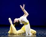 """由新唐人电视台创办的""""全世界中国舞舞蹈大赛""""将于今年10月和8月分别在纽约和香港举行。图为第四届""""全世界中国舞舞蹈大赛""""。(摄影:戴兵/大纪元)"""