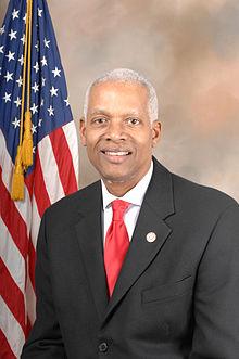 """美国乔治亚州联邦众议员小亨利(汉克)‧约翰逊(Henry C. """"Hank"""" Johnson, Jr.)。(美国国会议员官方网站)"""
