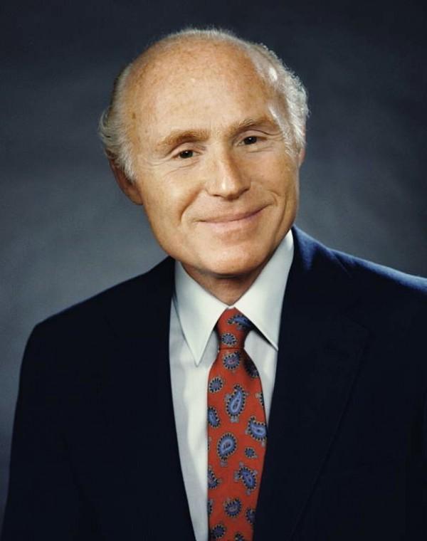 威斯康星州联邦参议员赫伯.科尔(Herb Kohl)。(美国国会议员官方网站)