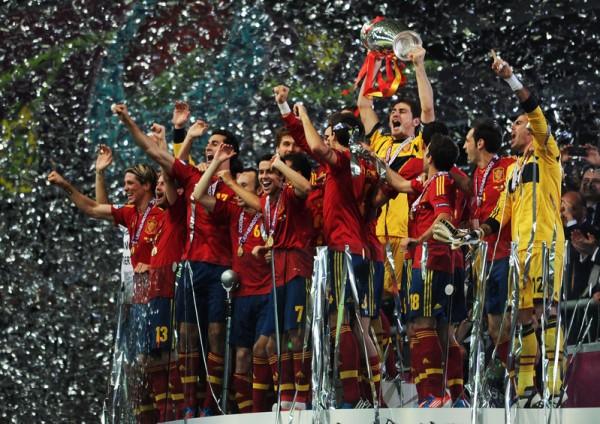2012年欧洲杯决赛,西班牙4:0完胜意大利成功卫冕。(Jasper Juinen/Getty Images)