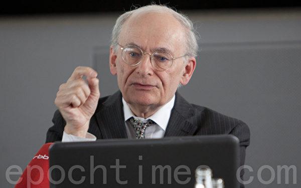 加拿大律师麦塔斯呼吁抵制中国医生和药物 (摄影:吉森/大纪元)