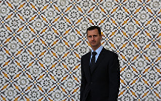 美国官员和中东分析家说,面对反对军的包围,叙利亚总统阿萨德没有丝毫放弃独裁的愿望,他的僵化和固执把叙利亚人民的和平民主运动拖入血腥、耗时和灾难性的叙利亚内战。档案照片。(LOUAI BESHARA/AFP)