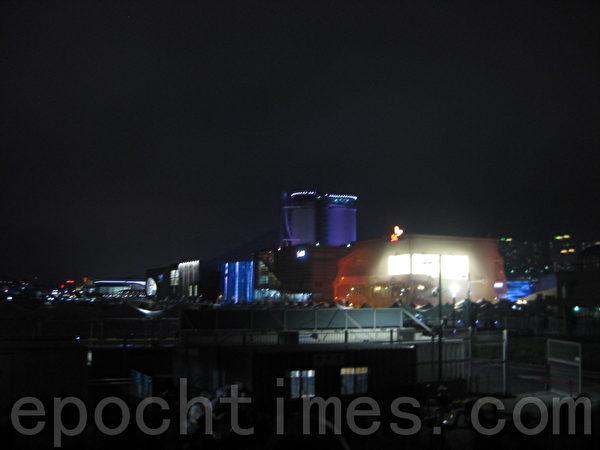 世博會夜景(二)(圖片來源:作者提供)