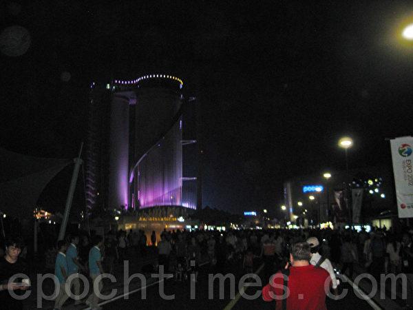 世博會夜景(一)(圖片來源:作者提供)