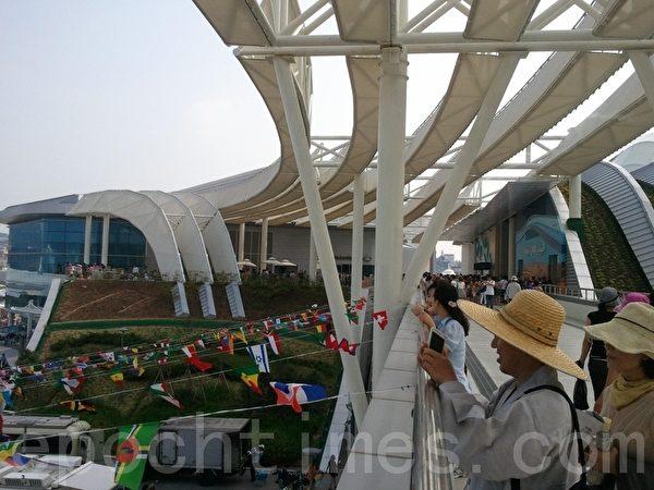 國際館走廊(圖片來源:作者提供)