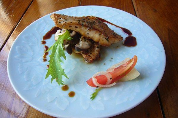 鯛魚香片(攝影:家和/大紀元)