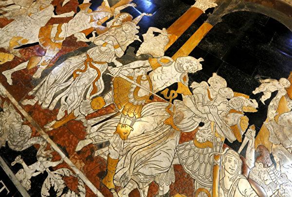 2012年8月30日,锡耶纳大教堂文艺复兴时期的马赛克地板。(FABIO MUZZI / AFP)