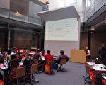 龙嘉教授:未来的学习环境将是结合物质、现实、社会、移动和精神的学习空间。(图片由龙嘉教授提供)