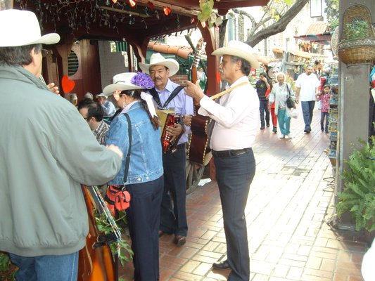 【周末好去处】墨西哥国庆游欧维拉街市