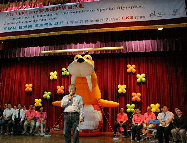 嘉义市副市长李锡津致词。(国立嘉义启智学校提供)