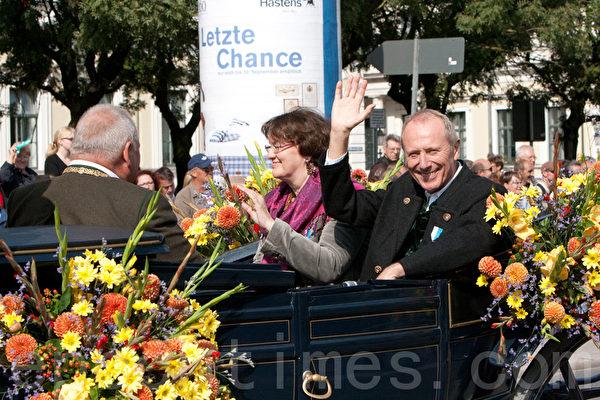 慕尼黑的兩位副市長(攝影:黃芩/大紀元)