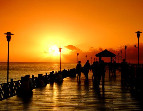 淡水渔人码头─木栈道。(新北市政府)