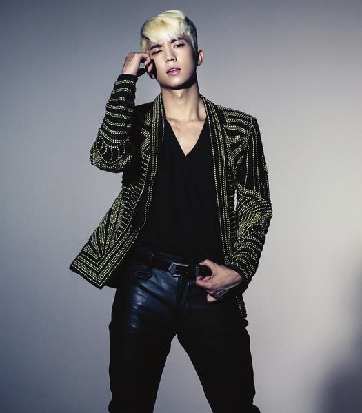 张佑荣获得韩国先生选拔冠军。(图/环球国际唱片提供)