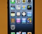 蘋果電腦公司於2012年9月21日,推出最新版的iPhone 5手機。(攝影:Mario Tama/Getty Images)