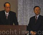 新任陸委會主委王郁琦(右)及海基會董事長林中森(左)3日赴立法院內政委員會報告並接受立委質詢。(攝影:鍾元 / 大紀元)