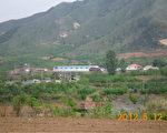 图为南山大矿东侧,遵化市村官刘国清非法露天采矿之处。(作者提供)