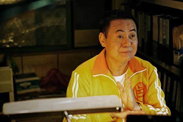 蔡振南饰演为柯震东找到爱情的重要角色之ㄧ。(图/原子映象提供)