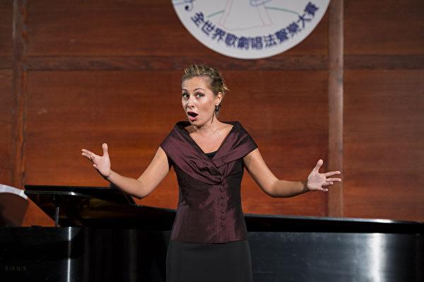 图﹕来自俄罗斯的选手女高音 Liudmila Zhiltsova在复赛上演唱N. Rimskij--‐Korsakov Il Gallo d'Oro