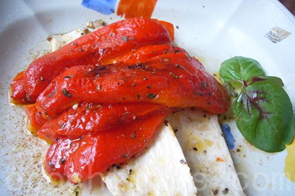 甜椒杏鲍菇醋沙拉肉桂味(摄影:家和/大纪元)