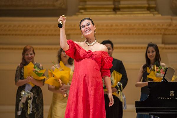 圖:來自台灣的選手女高音左涵瀛獲得第六屆「全世界歌劇唱法聲樂大賽」女聲組金獎。(攝影:愛德華/大紀元)