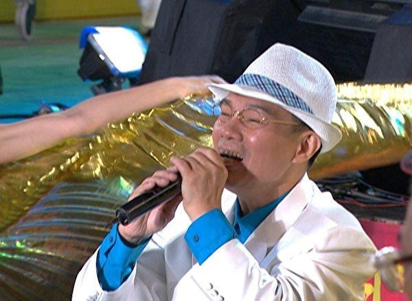 陈雷推出新专辑,把第一个通告献给了《超级夜总会》。(图/三立台湾台提供)