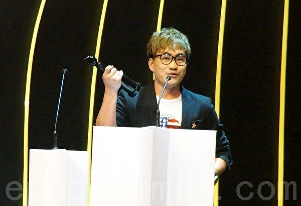 音樂人饒善強橫掃7獎成最大贏家。(攝影:楊曉慧/大紀元)