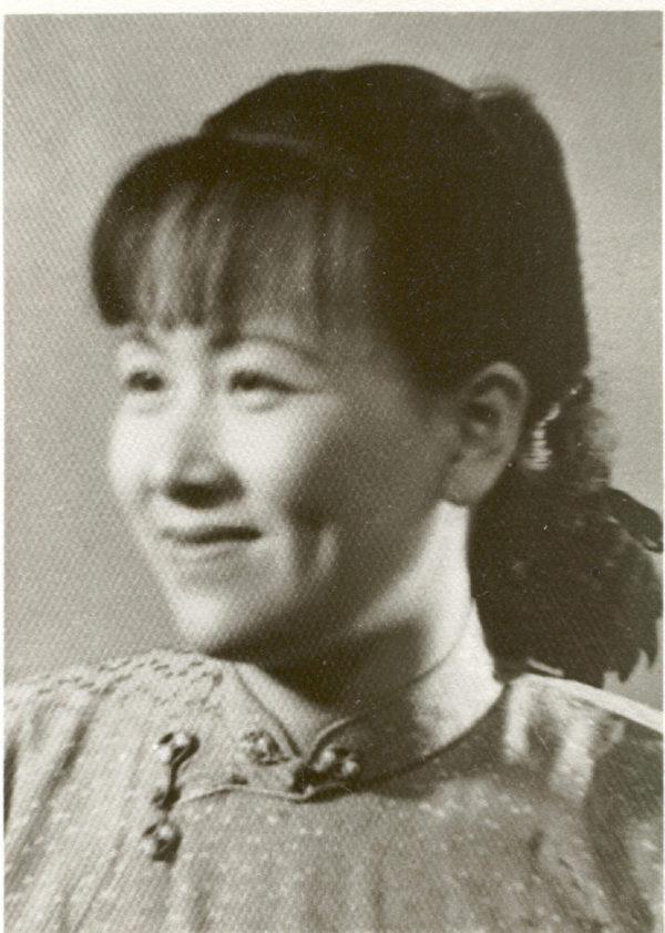 柯其毅的母親照片,他曾經為了革命,不管不顧母親,也沒有給過母親一分錢,直到她病危時,才突然深感愧疚。(柯其毅提供)