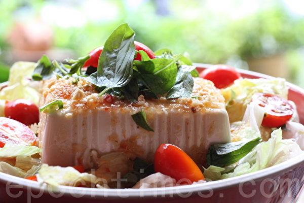 泰式豆腐沙拉(摄影:ALEX/大纪元)