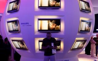 飞利浦、LG电子、三星SDI、松下和其他2家公司因操纵电视和阴极射线管(CRT)显示器价格近十年,被欧盟反垄断监管机构处以创纪录的19.2亿美元罚款。(圖源:Sean Gallup/Getty Images)