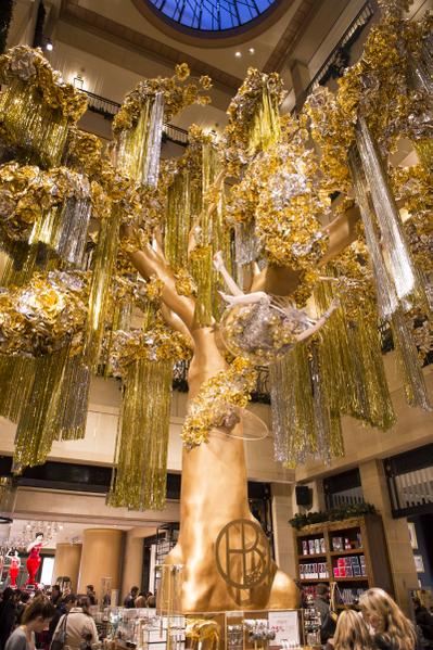 纽约盛装迎圣诞,纽约第五大道 HENRI BENDEL的店内装饰。(摄影:戴兵/大纪元)
