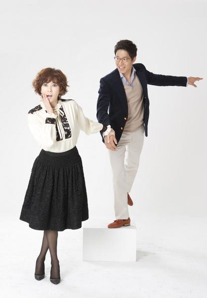 """柳俊相因在剧中有种种体贴的小动作,在韩国被称为是最适合嫁的""""国民老公""""。(图/纬来戏台剧台提供)"""