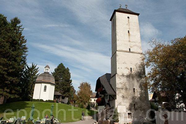 圣.尼古劳斯礼拜堂和塔楼。 (摄影:黄芩/大纪元)