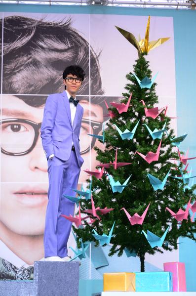 """""""音乐小教父""""方大同12月16日上午旋风来台,,举行新专辑《回到未来》签唱会。(图/华纳提供)"""