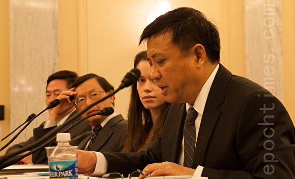 人權法律基金會政策與研究資深主任夏一陽作證說,中國日漸惡劣的人權記錄和其對法律的極端蔑視,整個國際社會對此有目共睹。尤其是自13年前中共鎮壓消滅有著上億修煉者的法輪功開始,更凸顯了中共的本質。(攝影:李莎/大紀元)