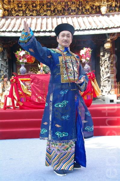 崔浩然相隔10多年再度演出古装剧,饰演巡抚一角。(摄影:黄宗茂/大纪元)