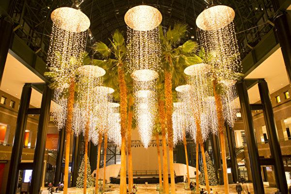 纽约世界商业中心圣诞灯饰(摄影:戴兵/大纪元)