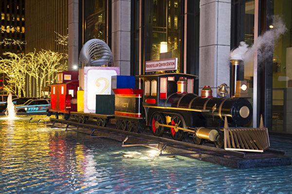纽约圣诞夜第六大道的圣诞装饰(摄影:戴兵/大纪元)