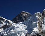 跑者睡在跟喜馬拉雅山一樣高的海拔,以增加生產攜帶氧氣的紅血球,而這正是耐力的關鍵因素。(攝影:Prakash Mathema/AFP/Getty Images)