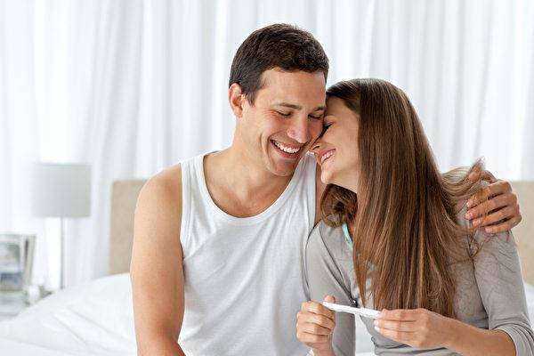 好的婚姻需要夫妻携手并济,同分享、共患难。(摄影/Fotolia)