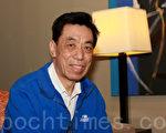 图为关贵敏先生接受大纪元记者采访。(摄影:袁丽/大纪元)