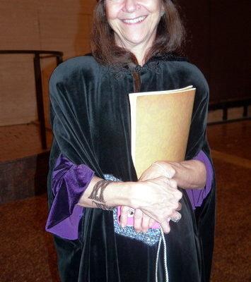 Karen Waldman是一位心理学家,她对神韵舞蹈的编舞和所传达的信息和精神内涵尤为欣赏。(摄影:于欣然/大纪元)