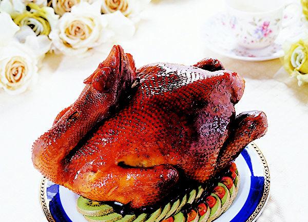 富统│古早味烤鸡(图:莱尔富提供)