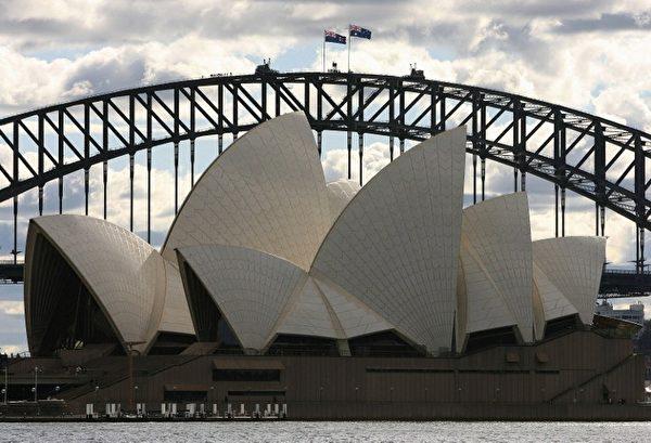 雪梨歌剧院造型奇特,经常上镜头。(Photo by GREG WOOD / AFP)
