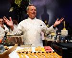 """有""""加州第一名厨""""的沃尔夫冈‧帕克仍负责今年的奥斯卡晚宴。(Kevork Djansezian/Getty Images)"""