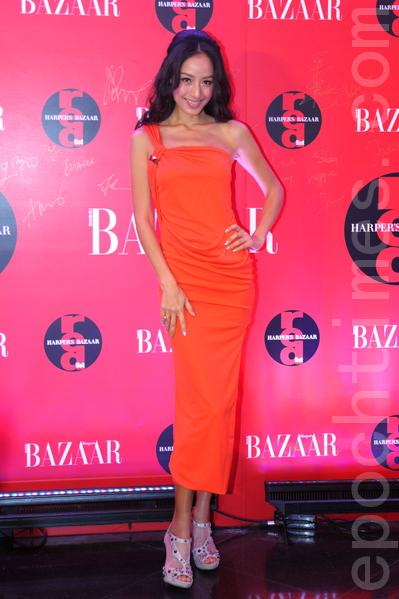 蒋怡出席时尚杂志颁奖典礼。(摄影:潘在殊/大纪元)