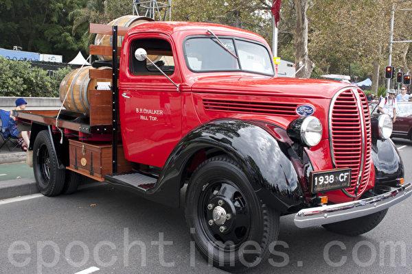 这种老式货车也很别具一格。(摄影:袁丽/大纪元)